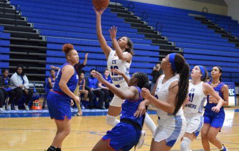 Girls Basketball Advances to Playoffs