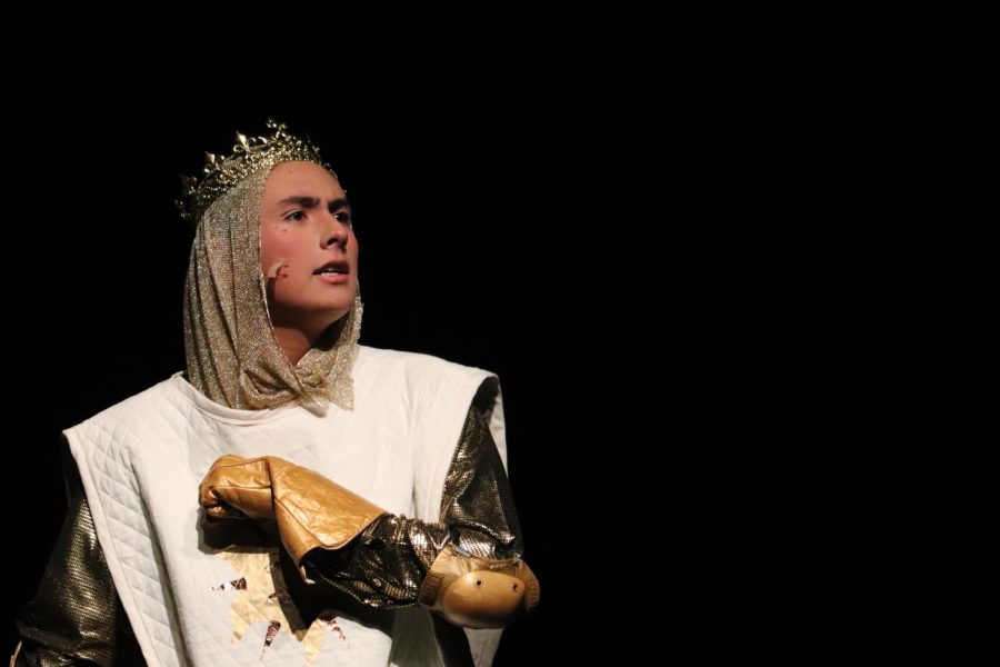 Jos%C3%A9+Graterol+portrays+King+Arthur+in+the+theatre+and+choir%27s+production+of+Spamalot.